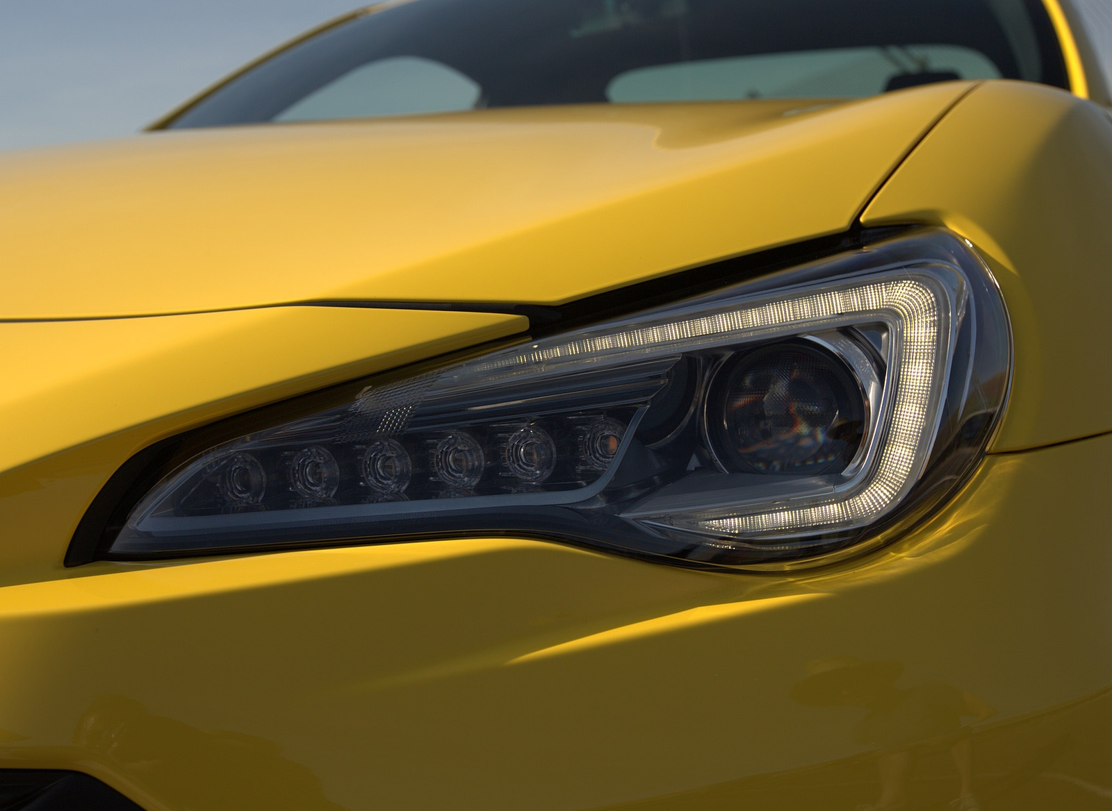 2017 Subaru BRZ Series.Yellow Headlight Wallpapers (3)