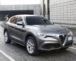 2018 Alfa Romeo Stelvio Front Three-Quarter Wallpapers 150x120 (21)