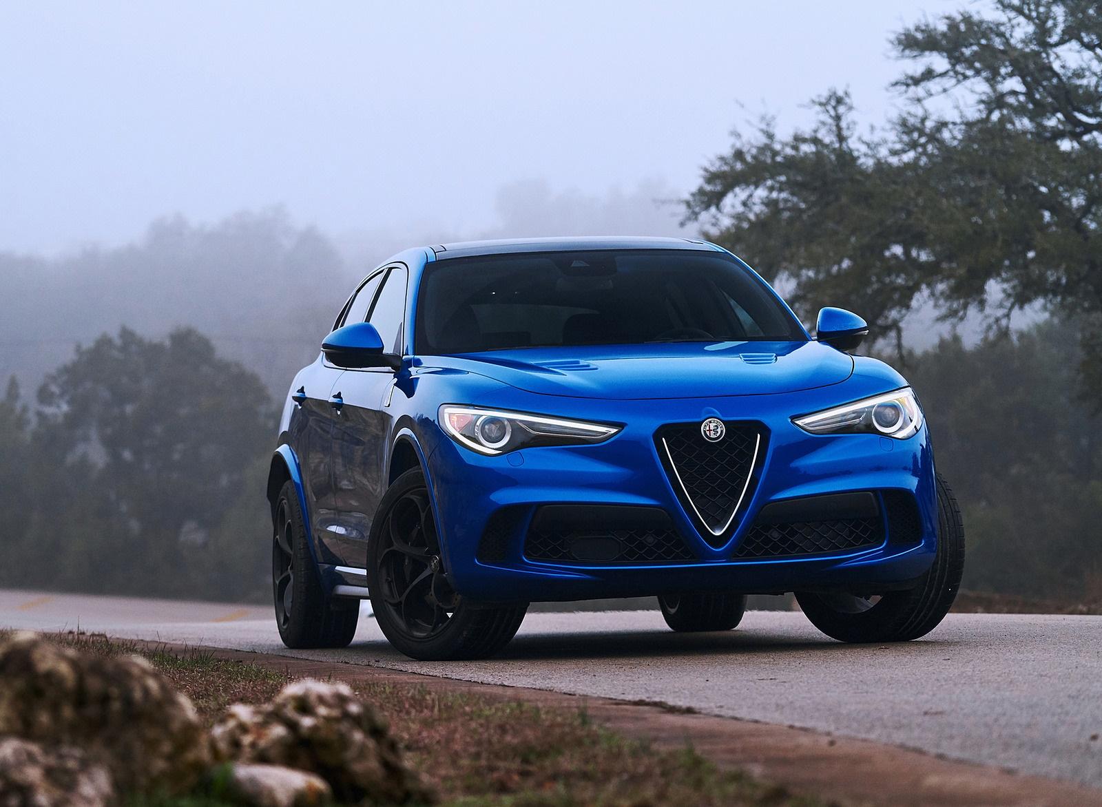 2018 Alfa Romeo Stelvio Quadrifoglio (Color: Misano Blue) Front Wallpapers #33 of 87