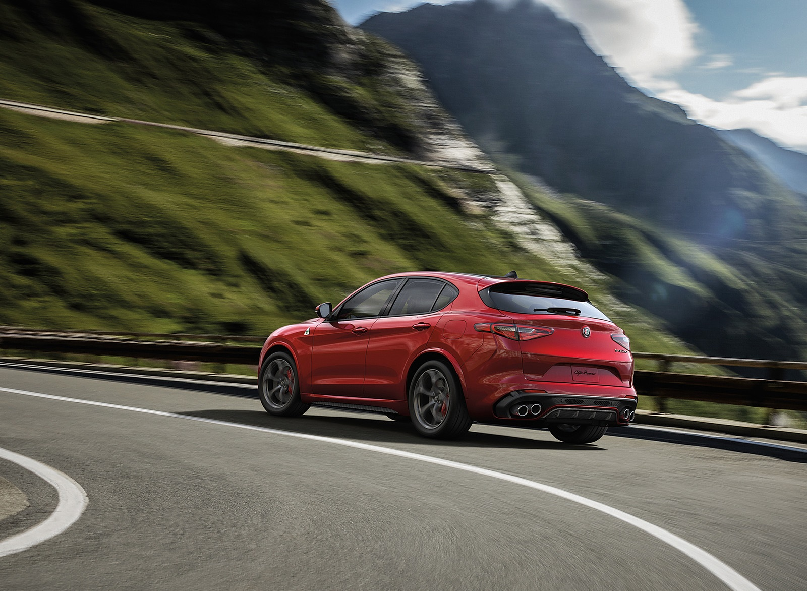 2018 Alfa Romeo Stelvio Rear Three-Quarter Wallpapers (8)