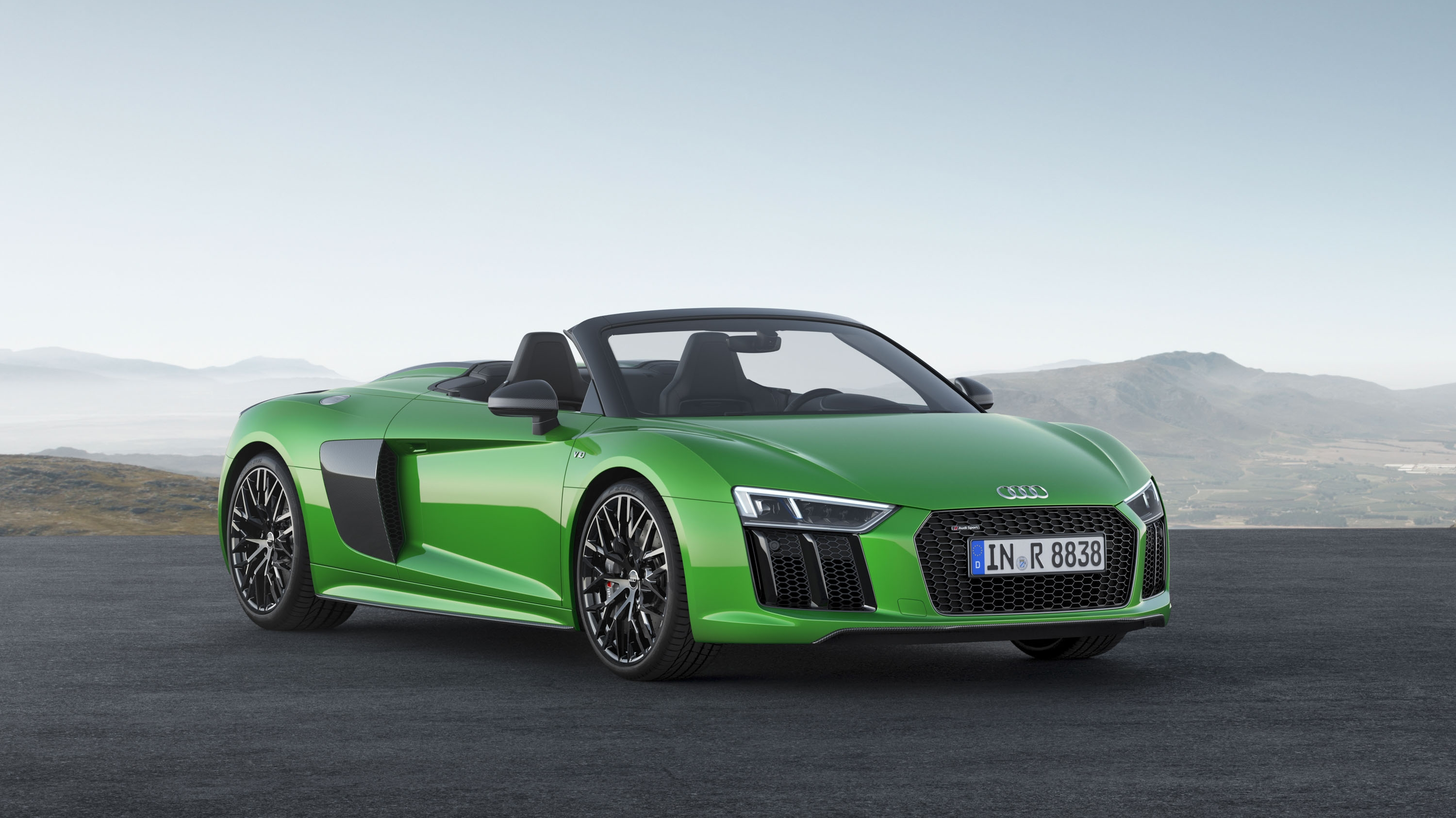 2018 Audi R8 Spyder V10 plus (Color: Micrommata Green) Front Three-Quarter Wallpapers (4)