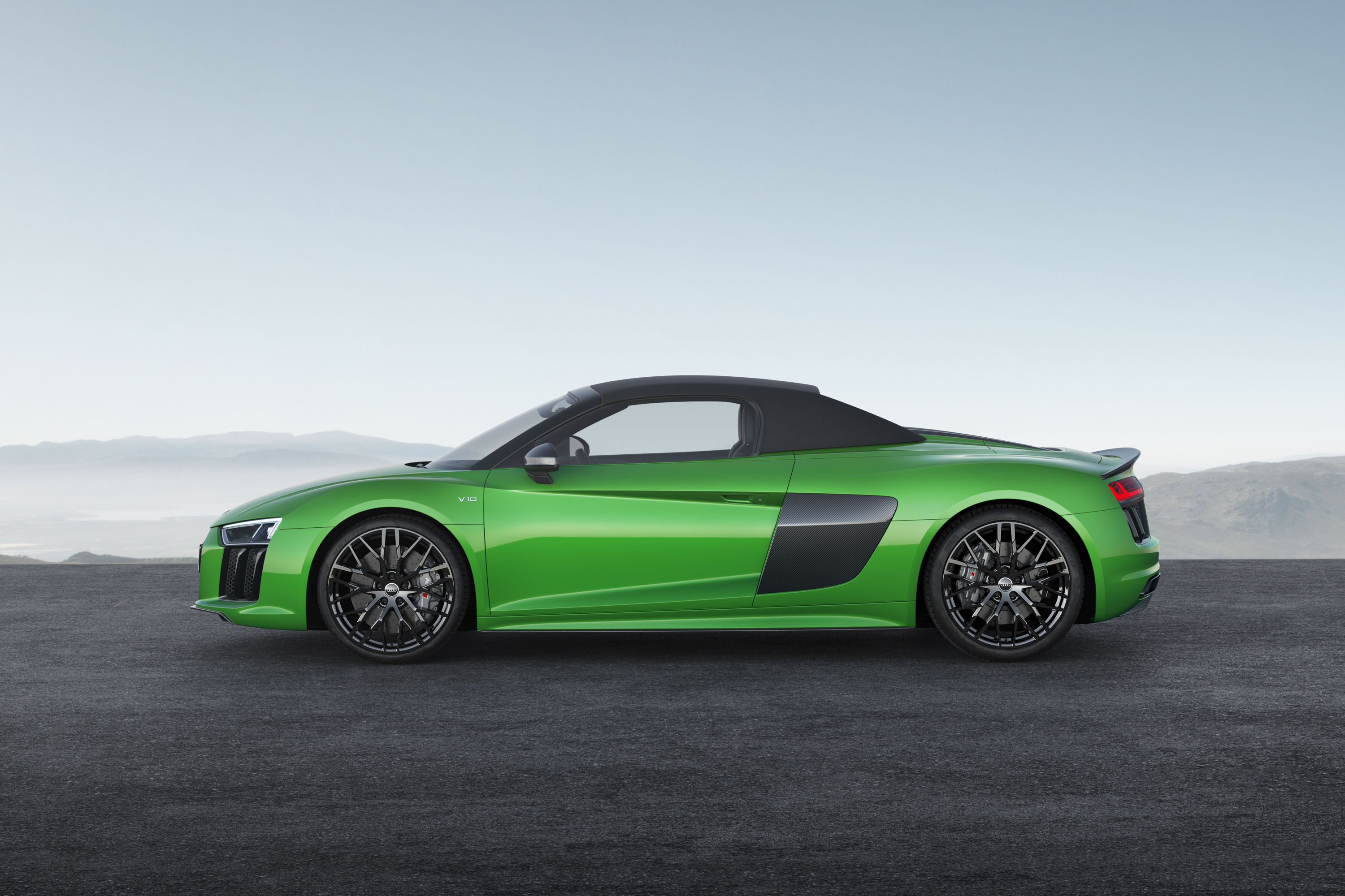 2018 Audi R8 Spyder V10 plus (Color: Micrommata Green) Side Wallpapers (8)