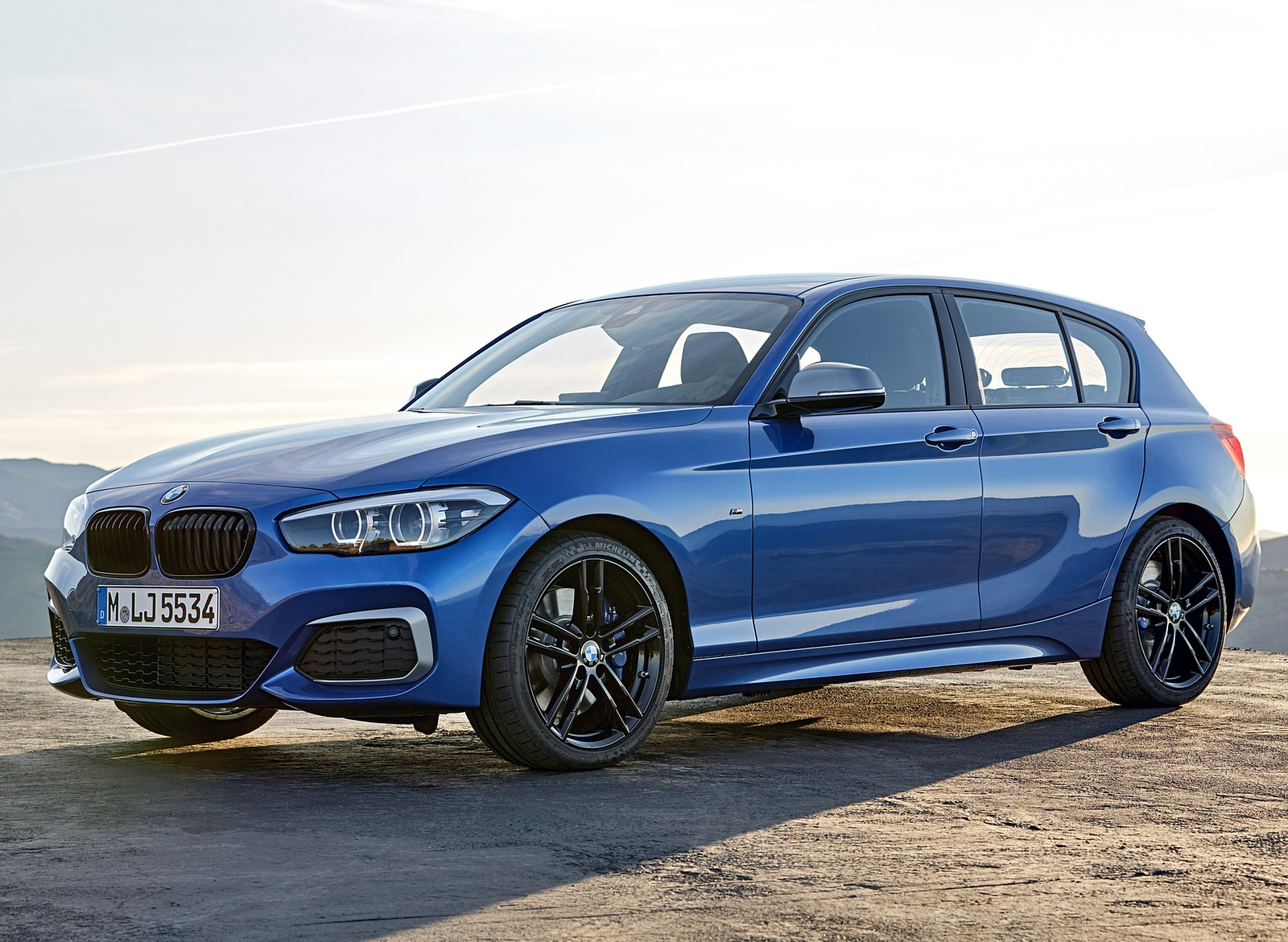 2018 BMW M140i xDrive Front Three-Quarter Wallpapers (13)