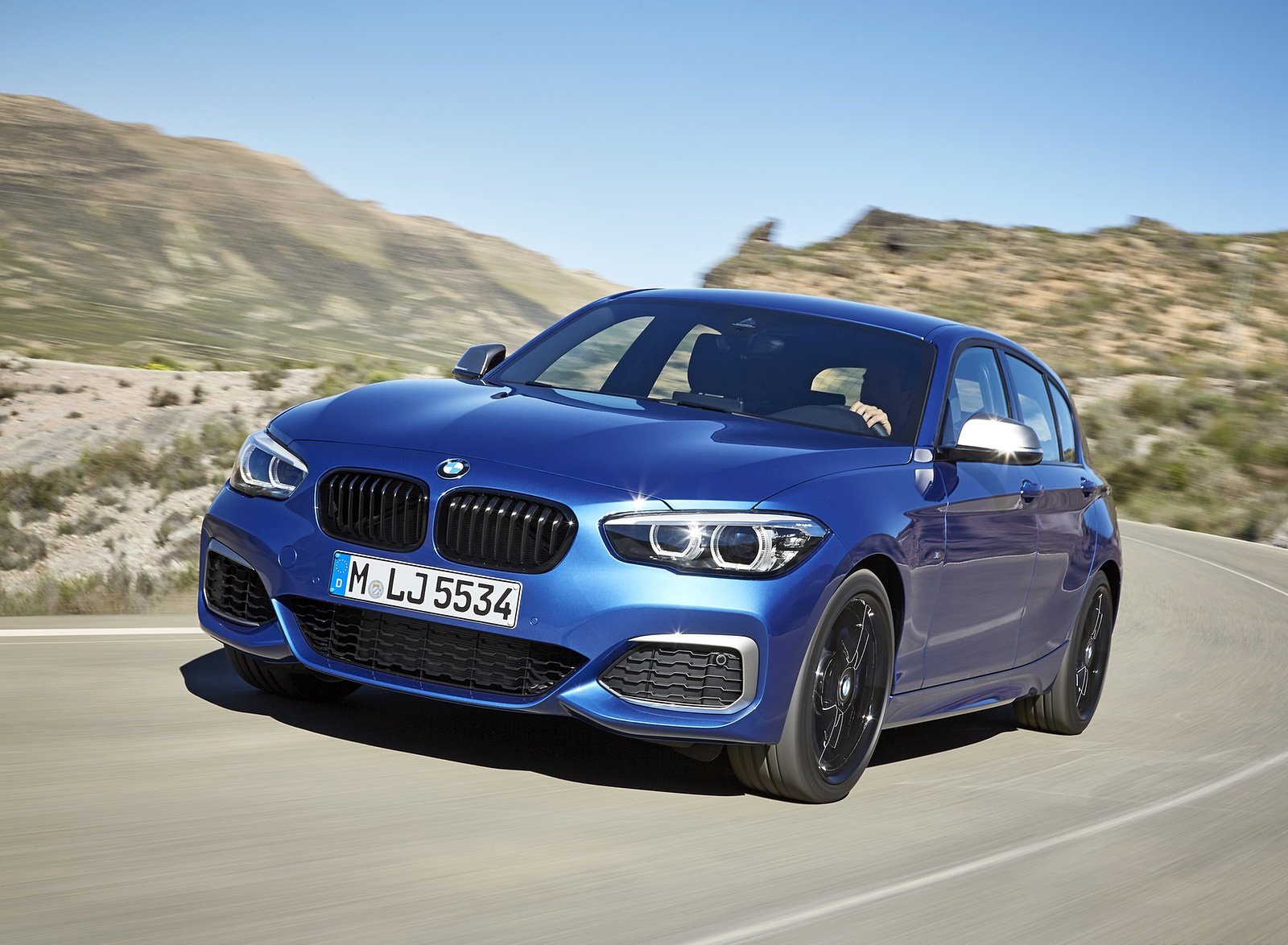 2018 BMW M140i xDrive Front Wallpapers (3)