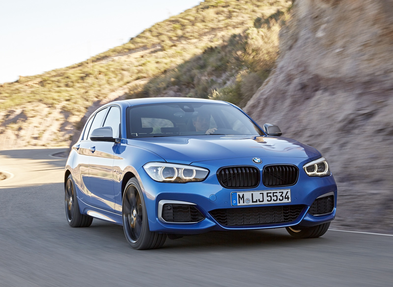 2018 BMW M140i xDrive Front Wallpapers (6)