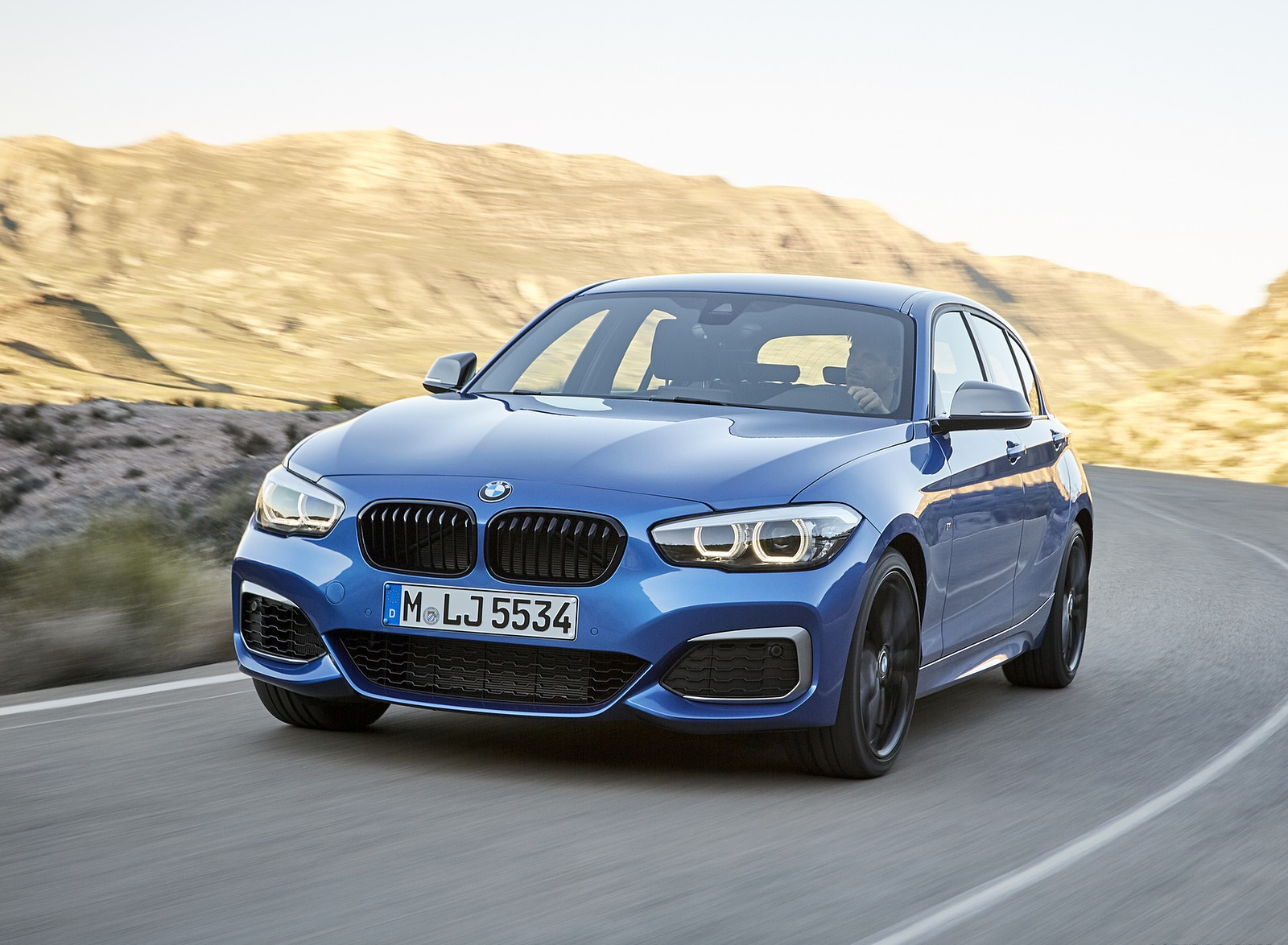 2018 BMW M140i xDrive Front Wallpapers (5)