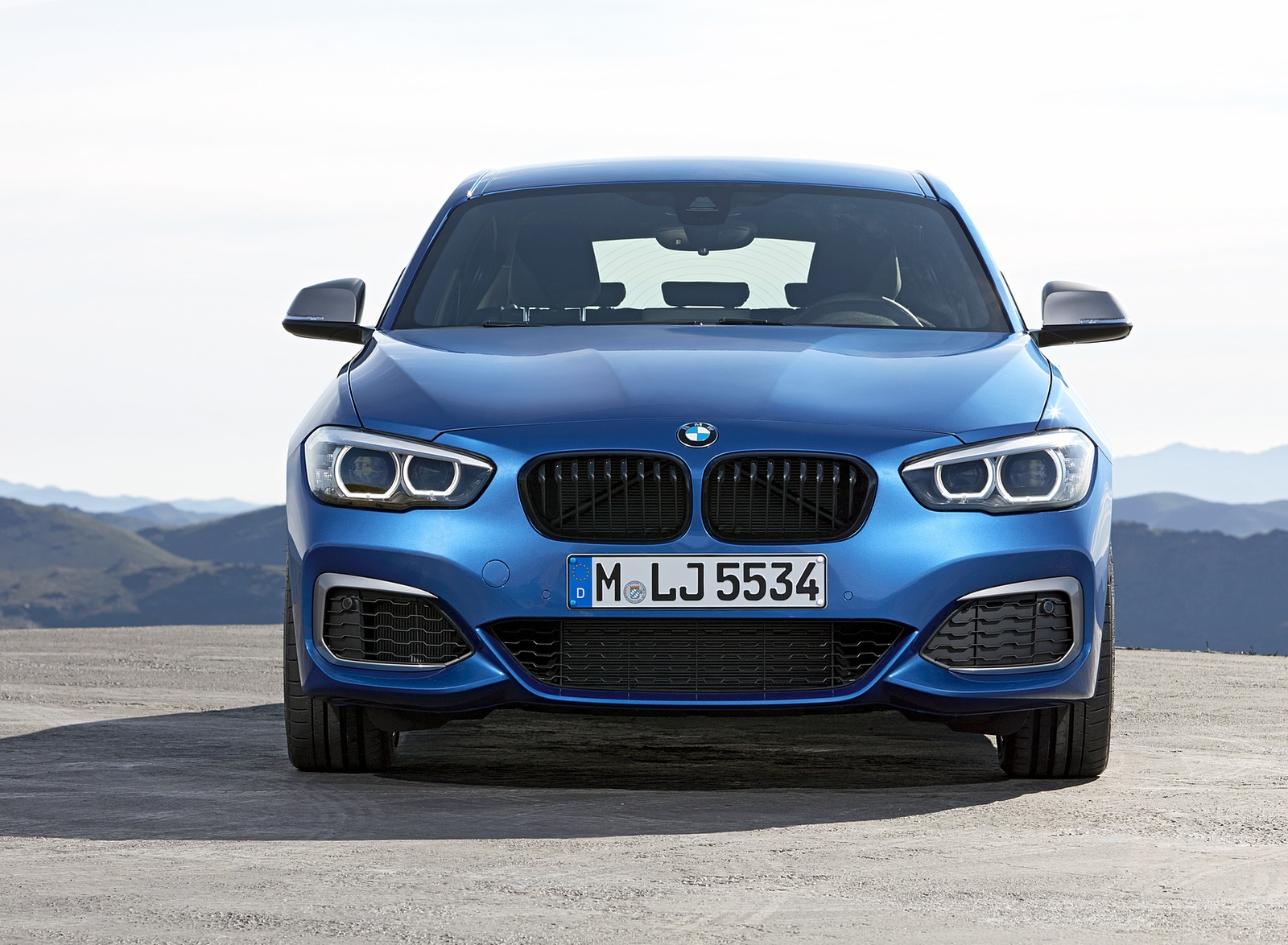 2018 BMW M140i xDrive Front Wallpapers (15)