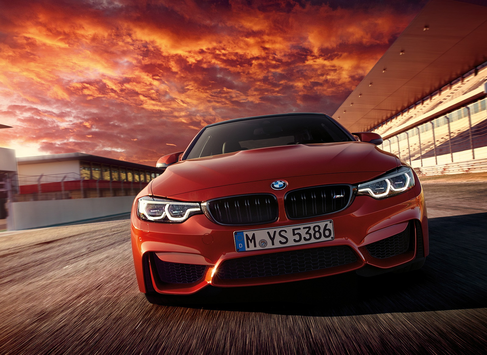 2018 BMW M4 Coupe Front Wallpapers (1)
