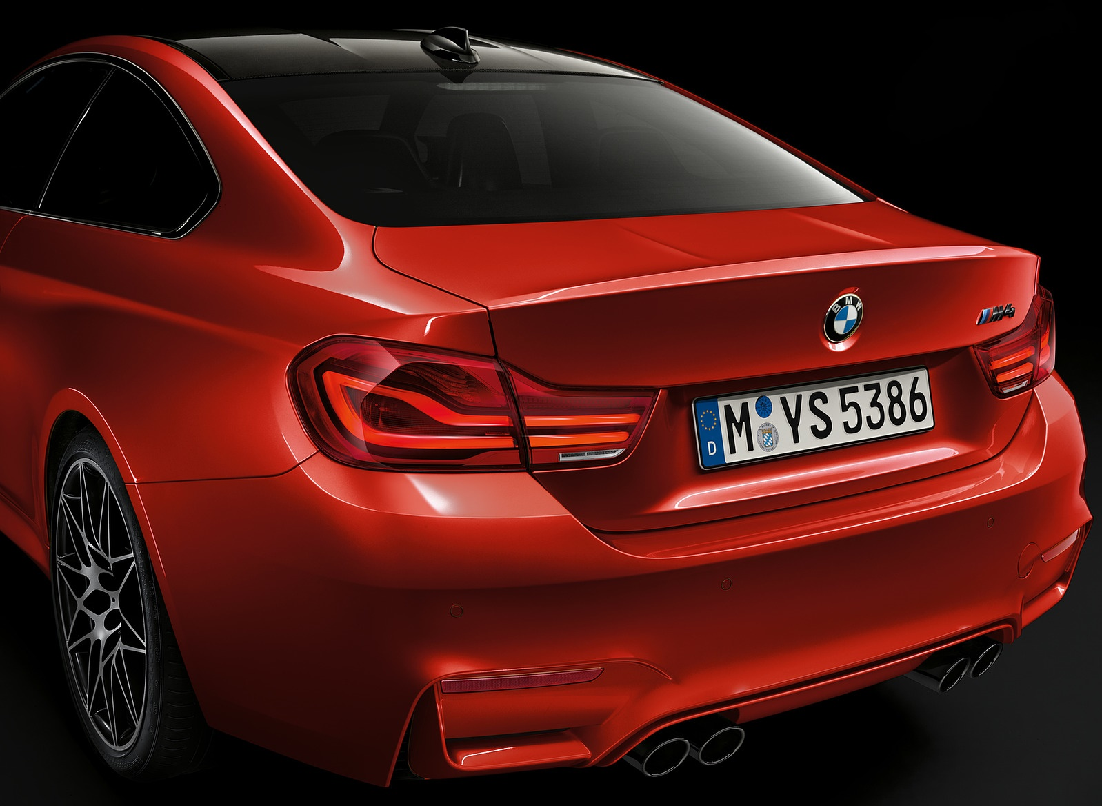 2018 BMW M4 Coupe Tail Light Wallpapers (7)