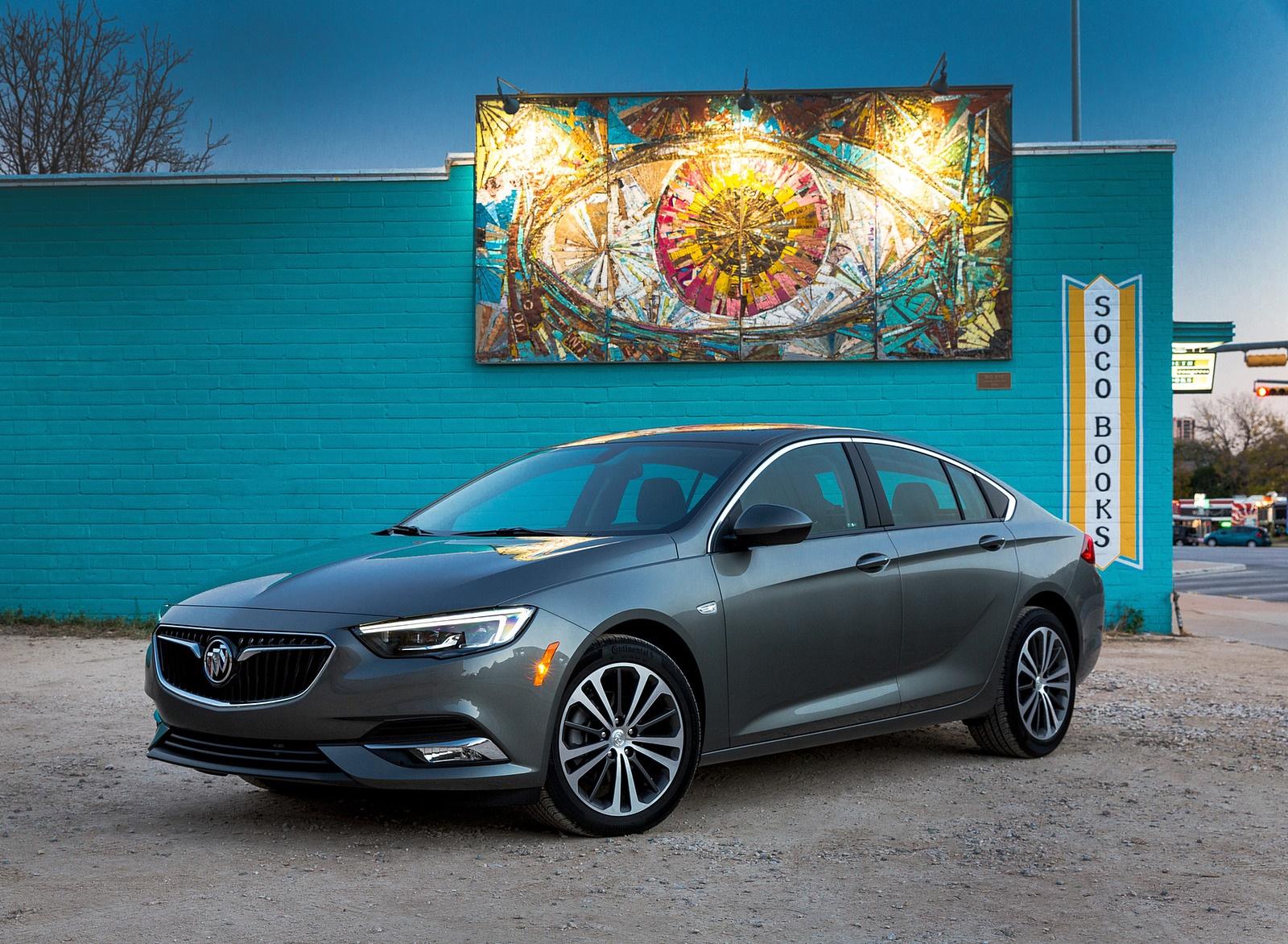 2018 Buick Regal Sportback Front Three-Quarter Wallpapers (7)