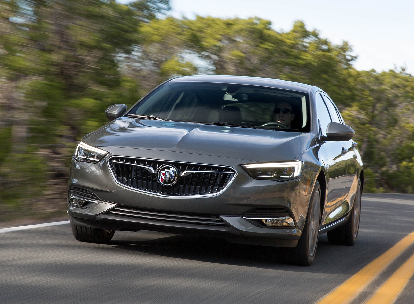 2018 Buick Regal Sportback Front Wallpapers (1)