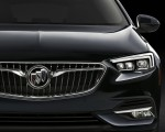 2018 Buick Regal Sportback Grill Wallpapers 150x120 (17)