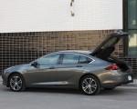 2018 Buick Regal Sportback Side Wallpapers 150x120 (15)
