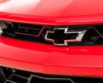 2018 Chevrolet Camaro ZL1 1LE Badge Wallpapers 150x120 (17)