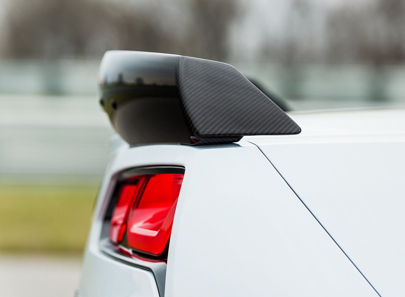 2018 Chevrolet Corvette Carbon 65 Edition Spoiler Wallpapers (8)