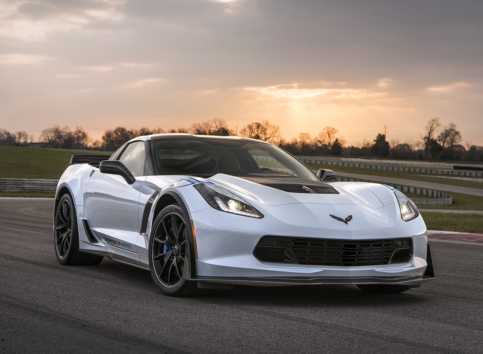 2018 Chevrolet Corvette Carbon 65 Edition Z06 3LZ Coupe Front Three-Quarter Wallpapers (1)
