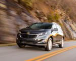 2018 Chevrolet Equinox Front Three-Quarter Wallpaper 150x120 (32)