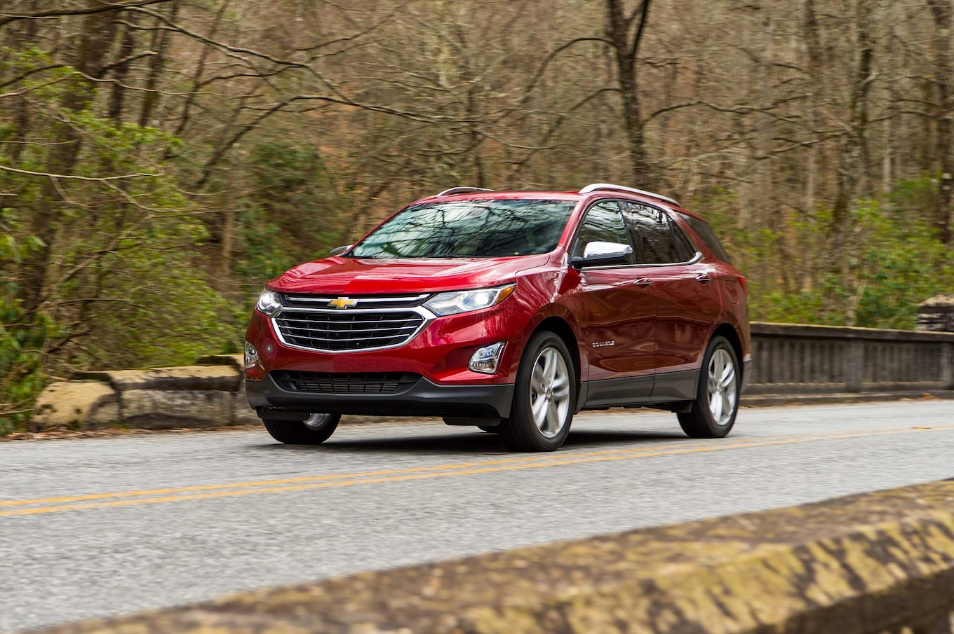 2018 Chevrolet Equinox Front Three-Quarter Wallpaper (5)