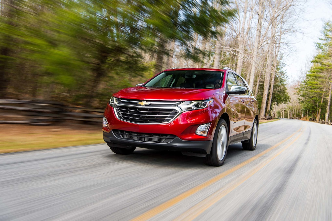 2018 Chevrolet Equinox Front Three-Quarter Wallpaper (3)