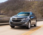 2018 Chevrolet Equinox Front Three-Quarter Wallpapers 150x120 (33)