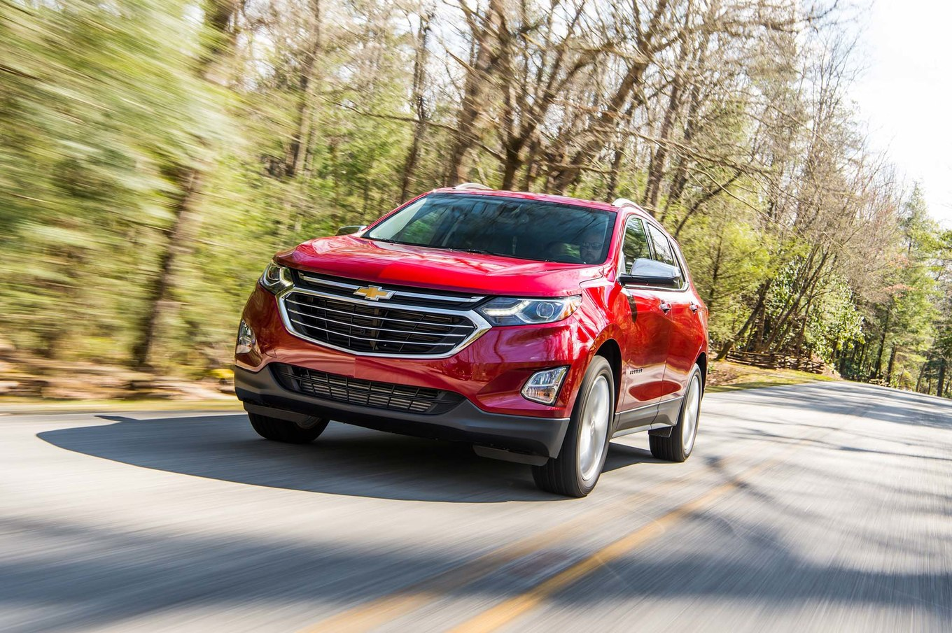 2018 Chevrolet Equinox Front Three-Quarter Wallpaper (6)