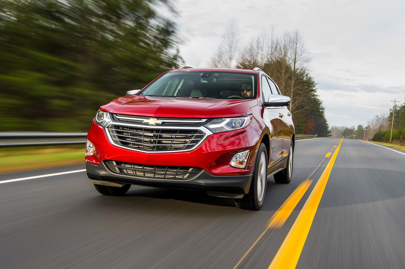 2018 Chevrolet Equinox Front Three-Quarter Wallpaper (2)