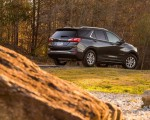 2018 Chevrolet Equinox Rear Three-Quarter Wallpapers 150x120 (42)