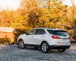 2018 Chevrolet Equinox Rear Three-Quarter Wallpaper 150x120 (28)