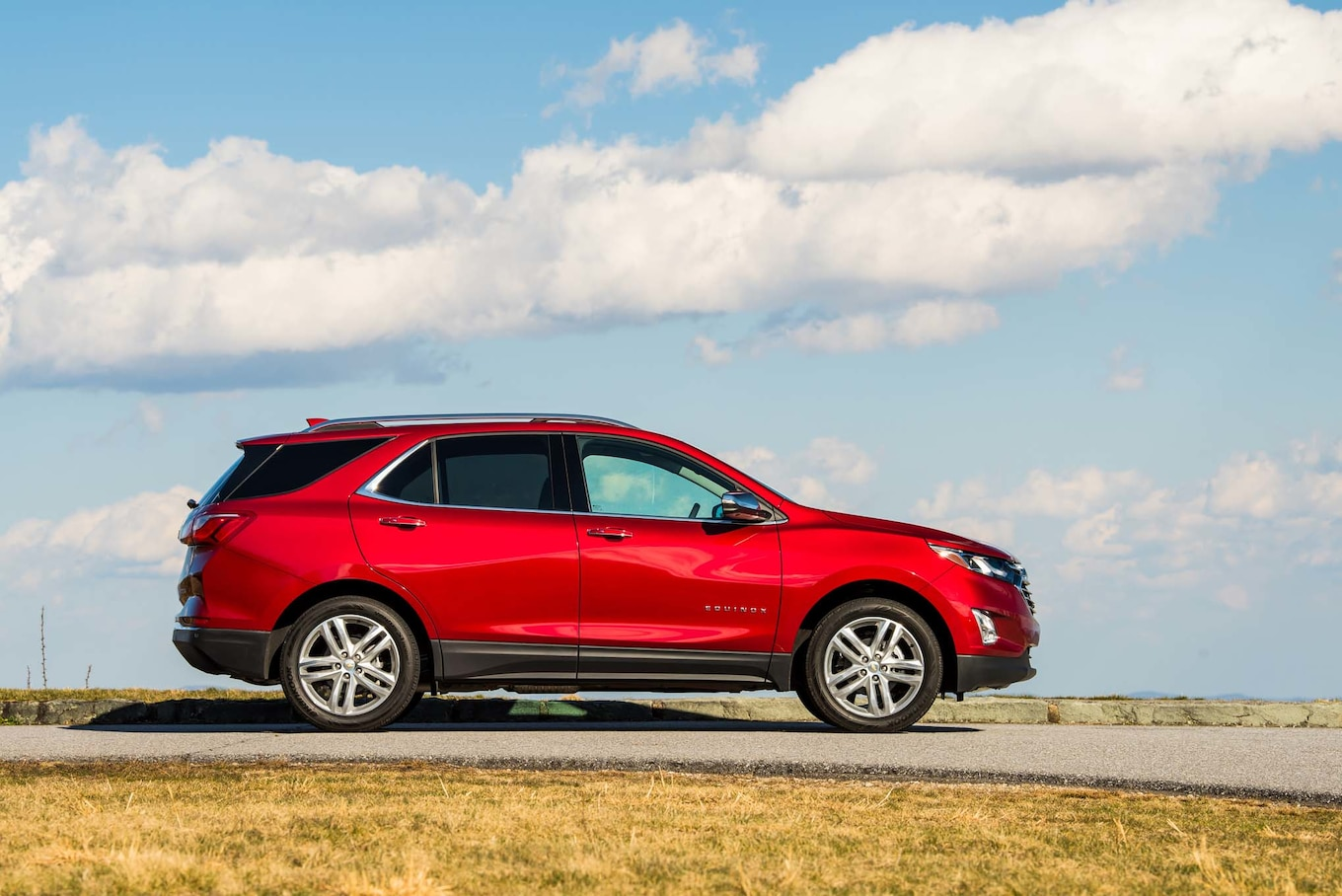 2018 Chevrolet Equinox Side Wallpaper (10)