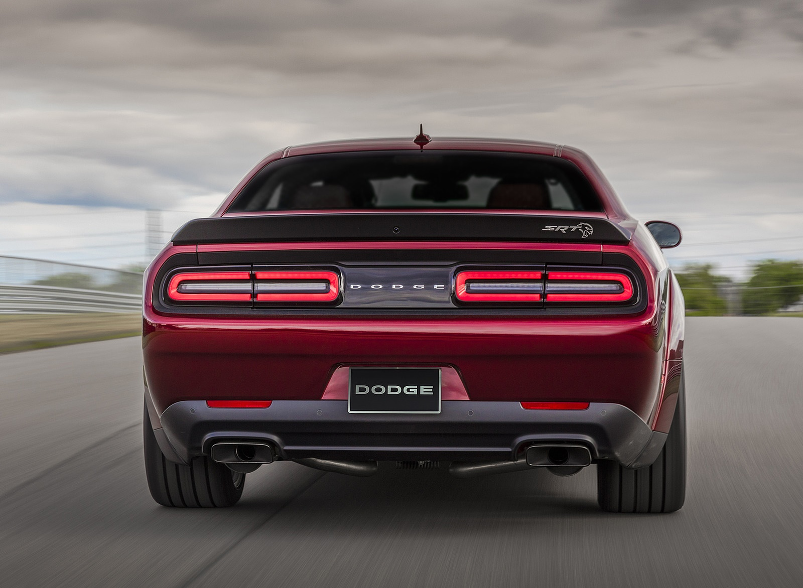 2018 Dodge Challenger SRT Hellcat Widebody Rear Wallpaper (15)
