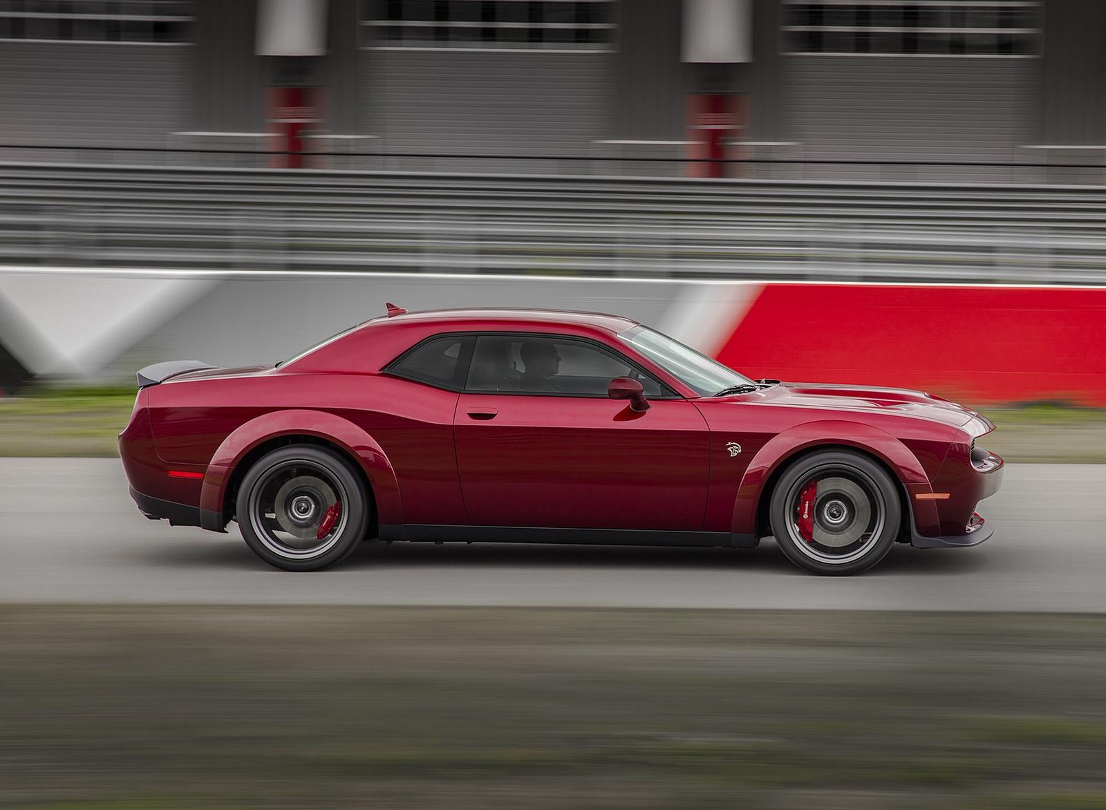 2018 Dodge Challenger SRT Hellcat Widebody Side Wallpaper (6)
