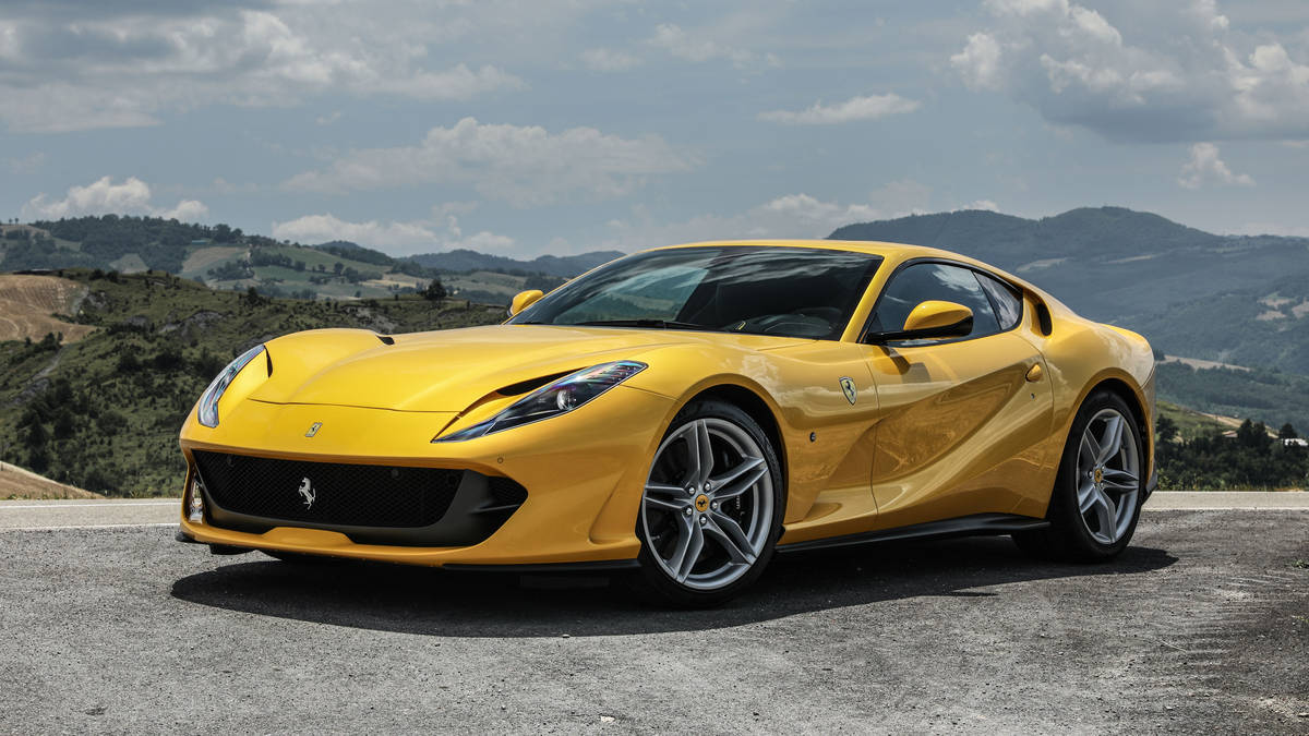 2018 Ferrari 812 Superfast Front Three-Quarter Wallpaper (5)