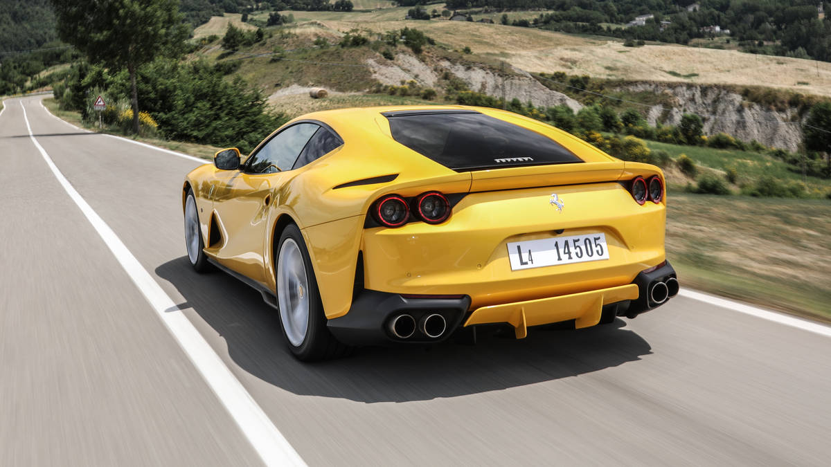 2018 Ferrari 812 Superfast Rear Wallpaper (9)