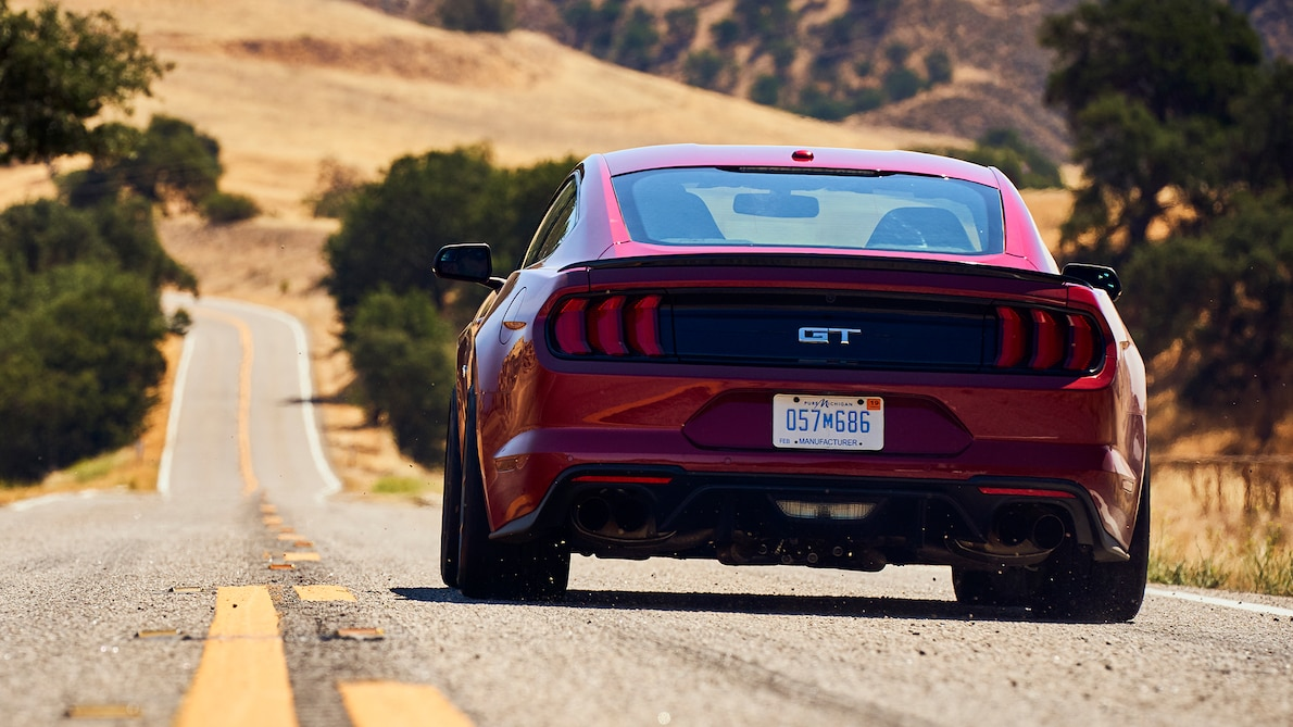 2018 Ford Mustang GT Performance Pack Level 2 Rear Wallpaper (12)