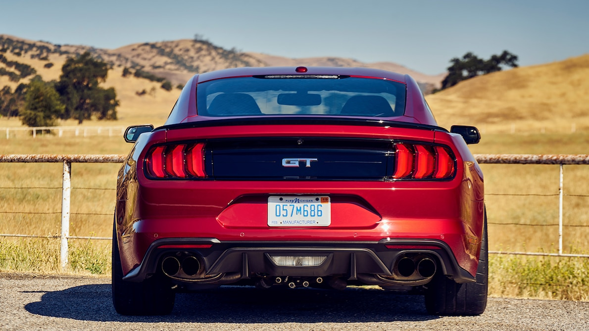 2018 Ford Mustang GT Performance Pack Level 2 Rear Wallpaper (11)