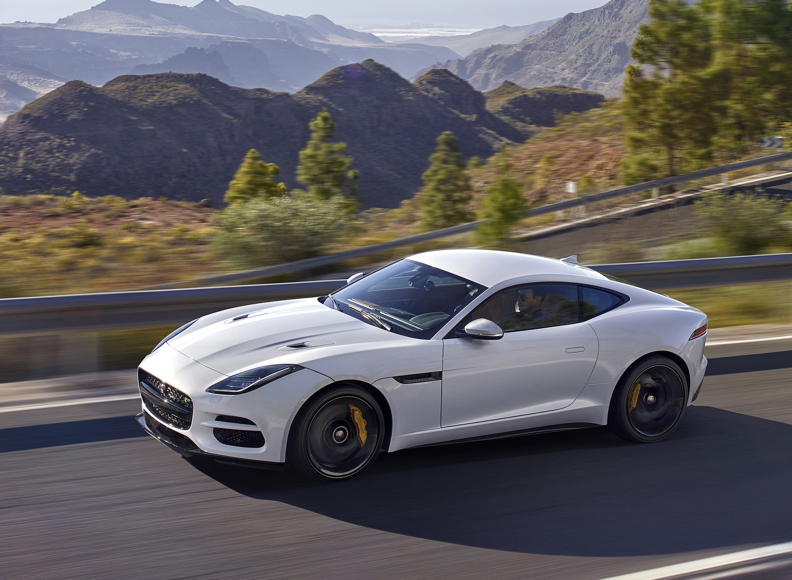 2018 Jaguar F-TYPE R Coupe Front Three-Quarter Wallpapers (14)