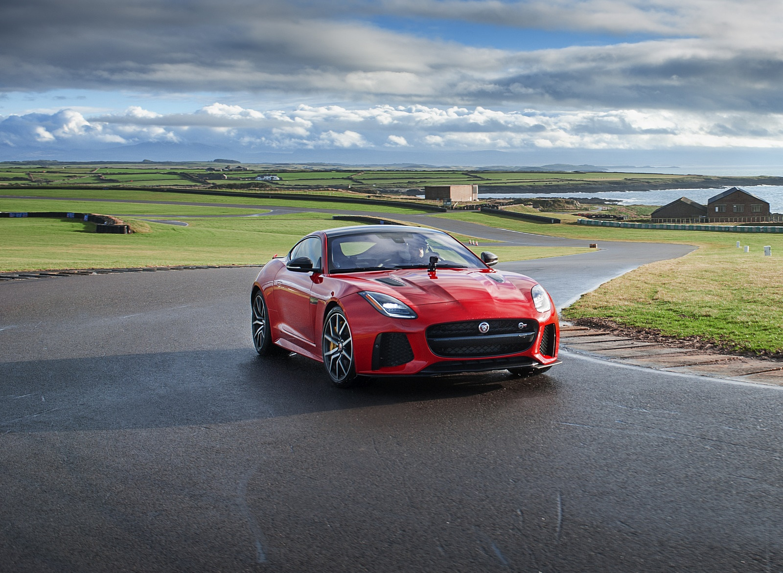 2018 Jaguar F-TYPE SVR Convertible Front Wallpapers (11)