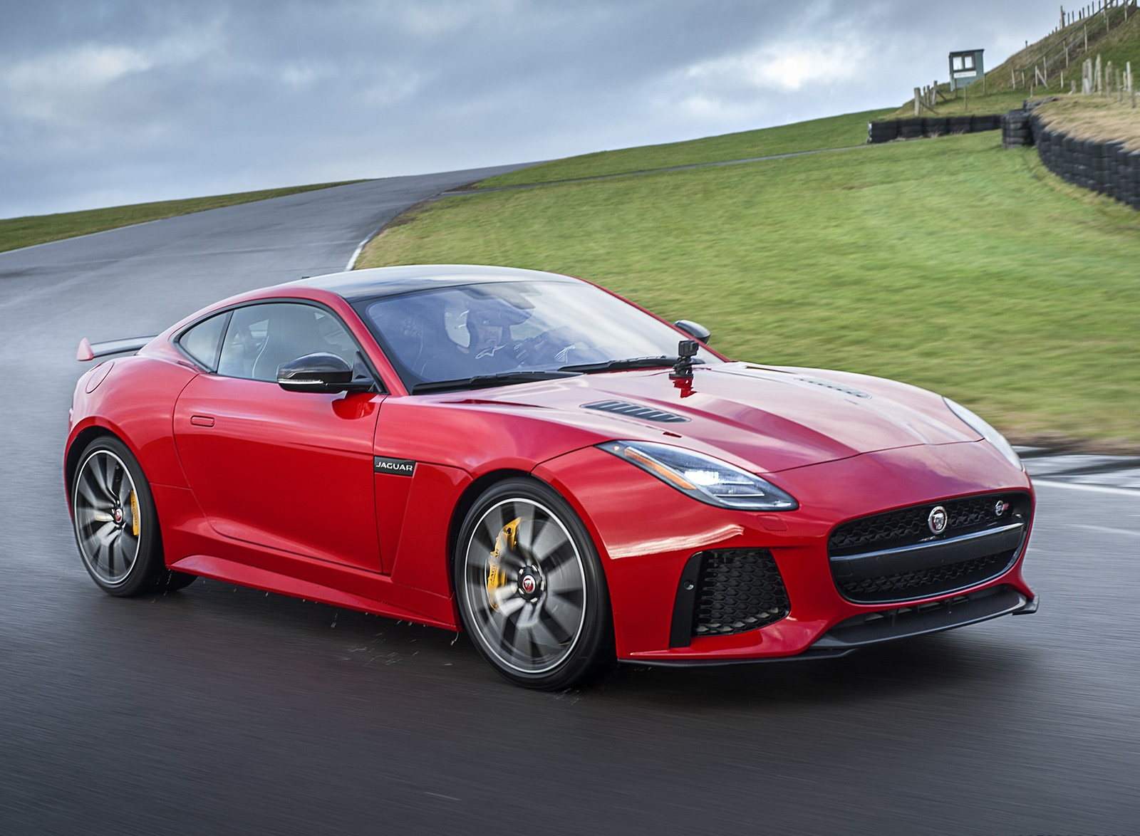 2018 Jaguar F-TYPE SVR Coupe Front Three-Quarter Wallpapers (4)