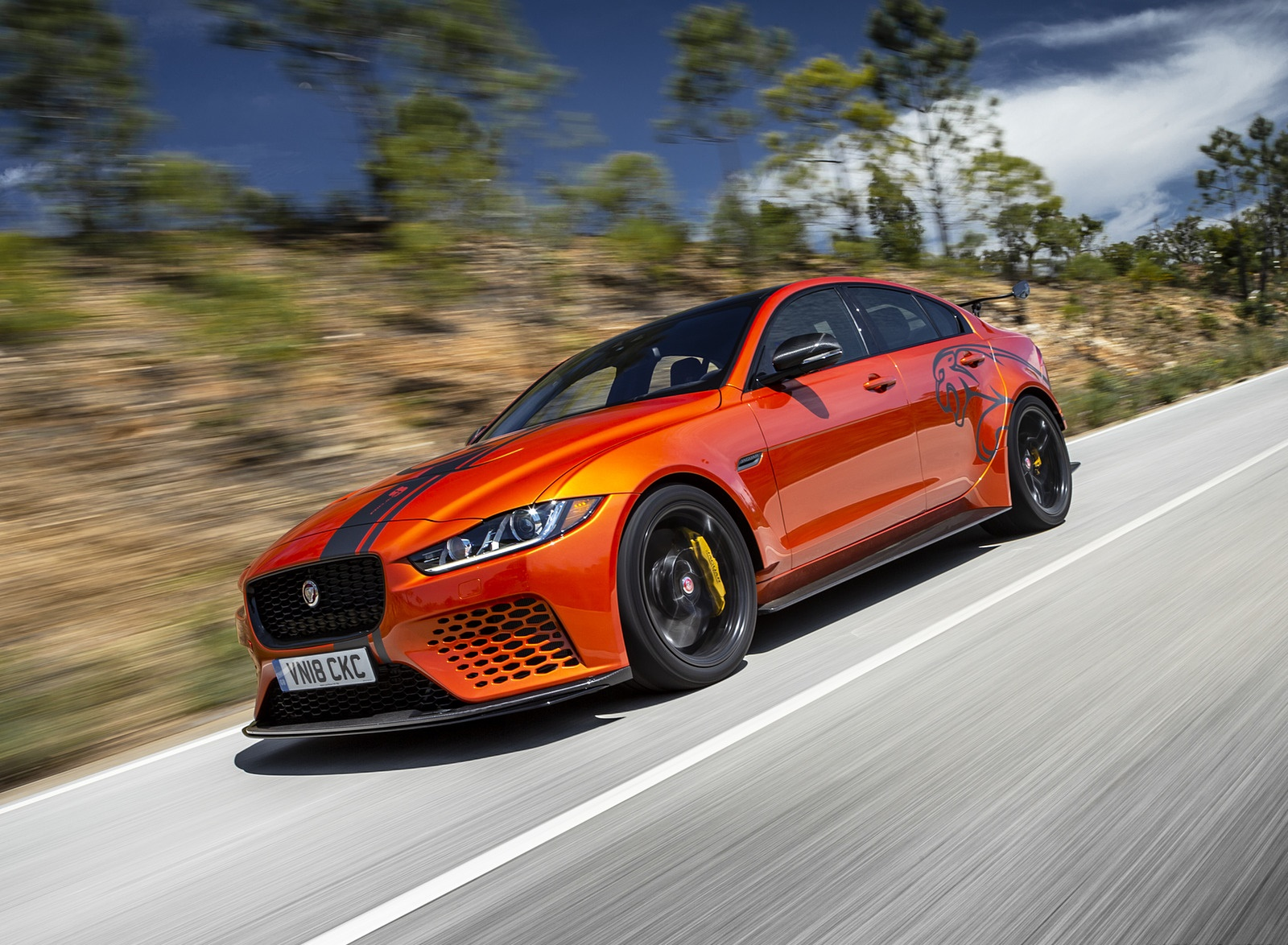 2018 Jaguar XE SV Project 8 Front Three-Quarter Wallpapers (10)