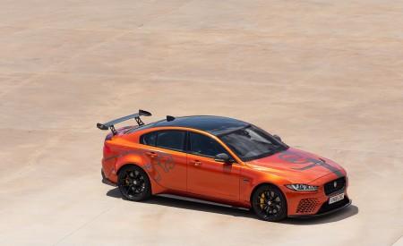 2018 Jaguar XE SV Project 8 Front Three-Quarter Wallpapers 450x275 (22)
