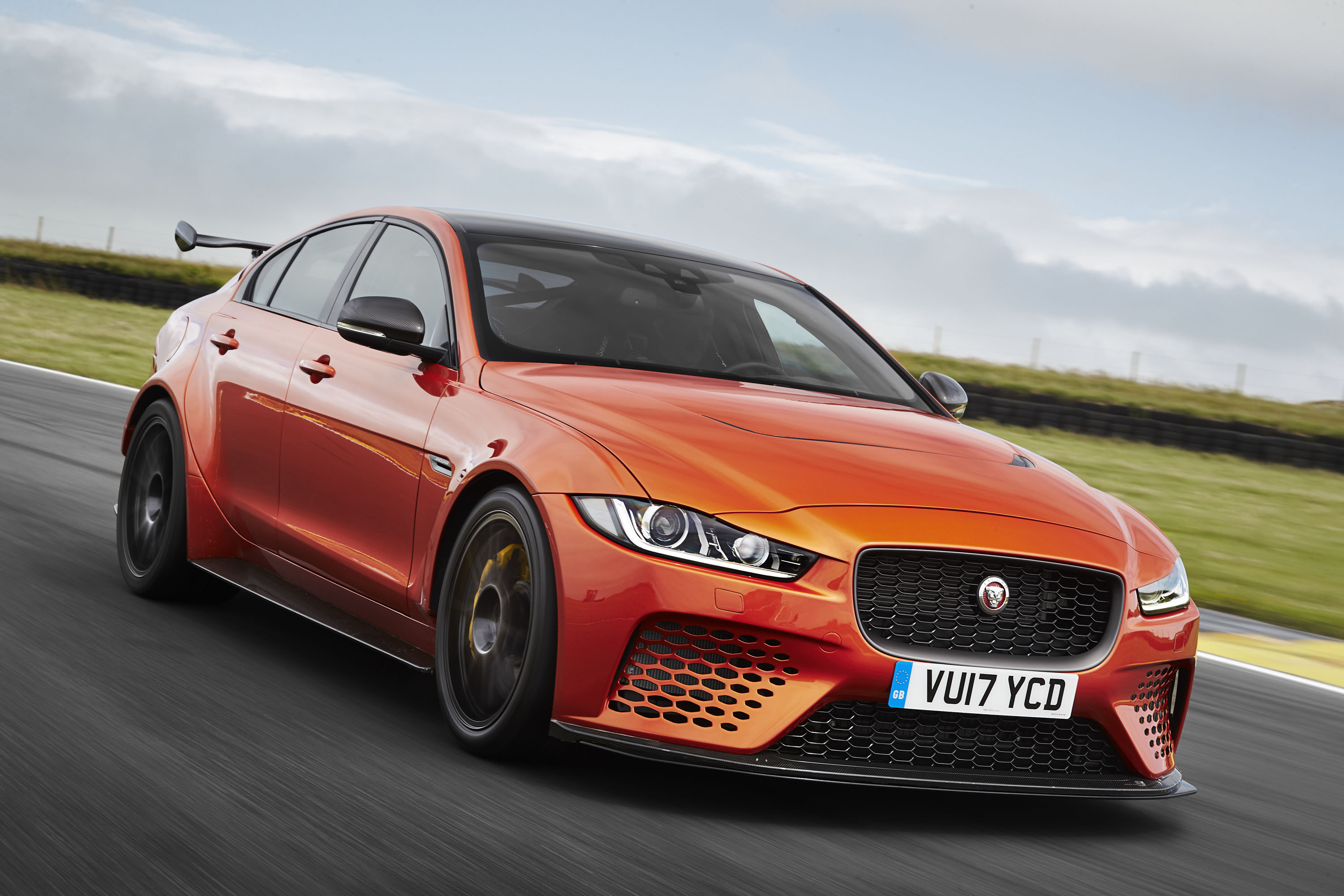 2018 Jaguar XE SV Project 8 Front Wallpapers (4)