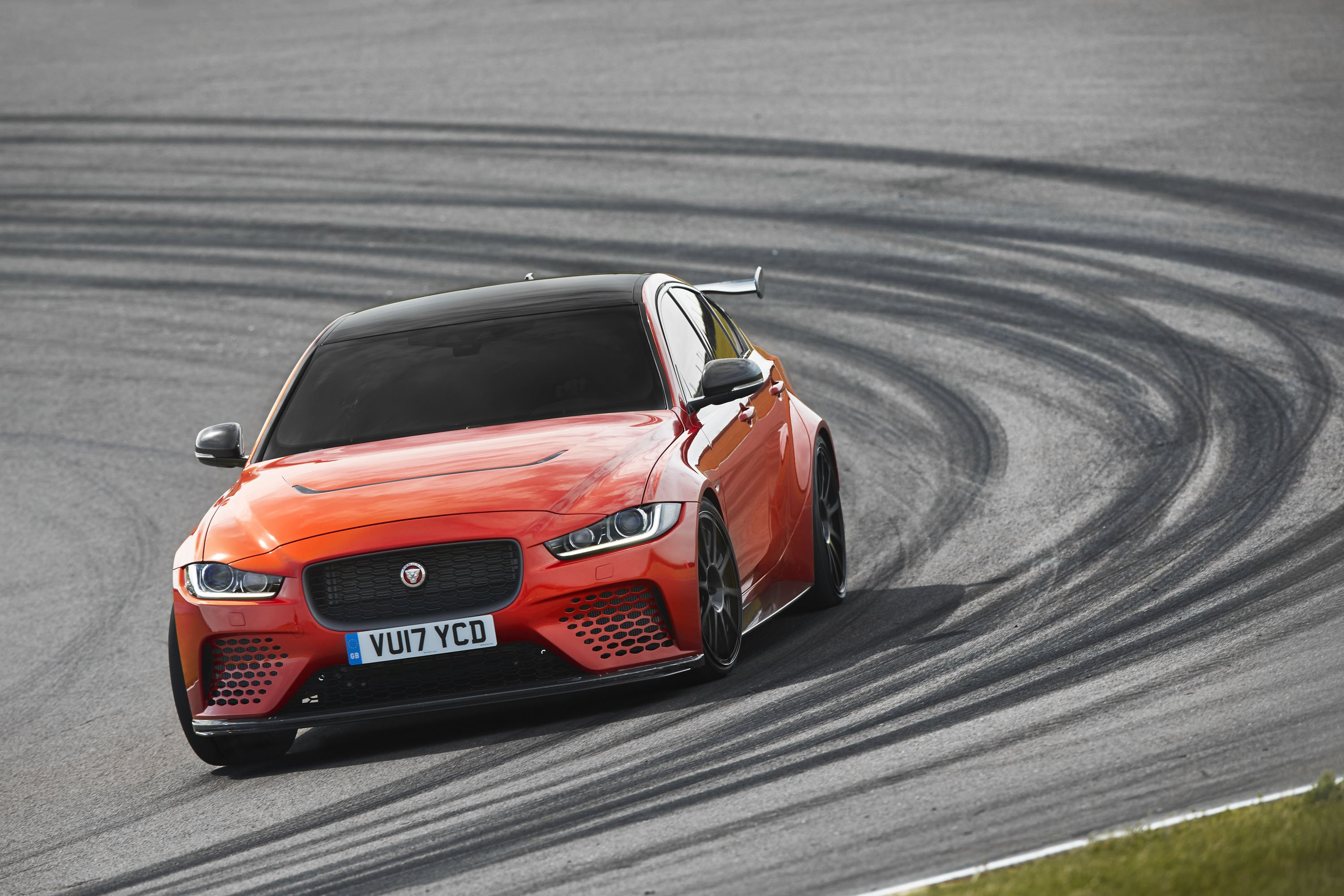 2018 Jaguar XE SV Project 8 Front Wallpapers (5)