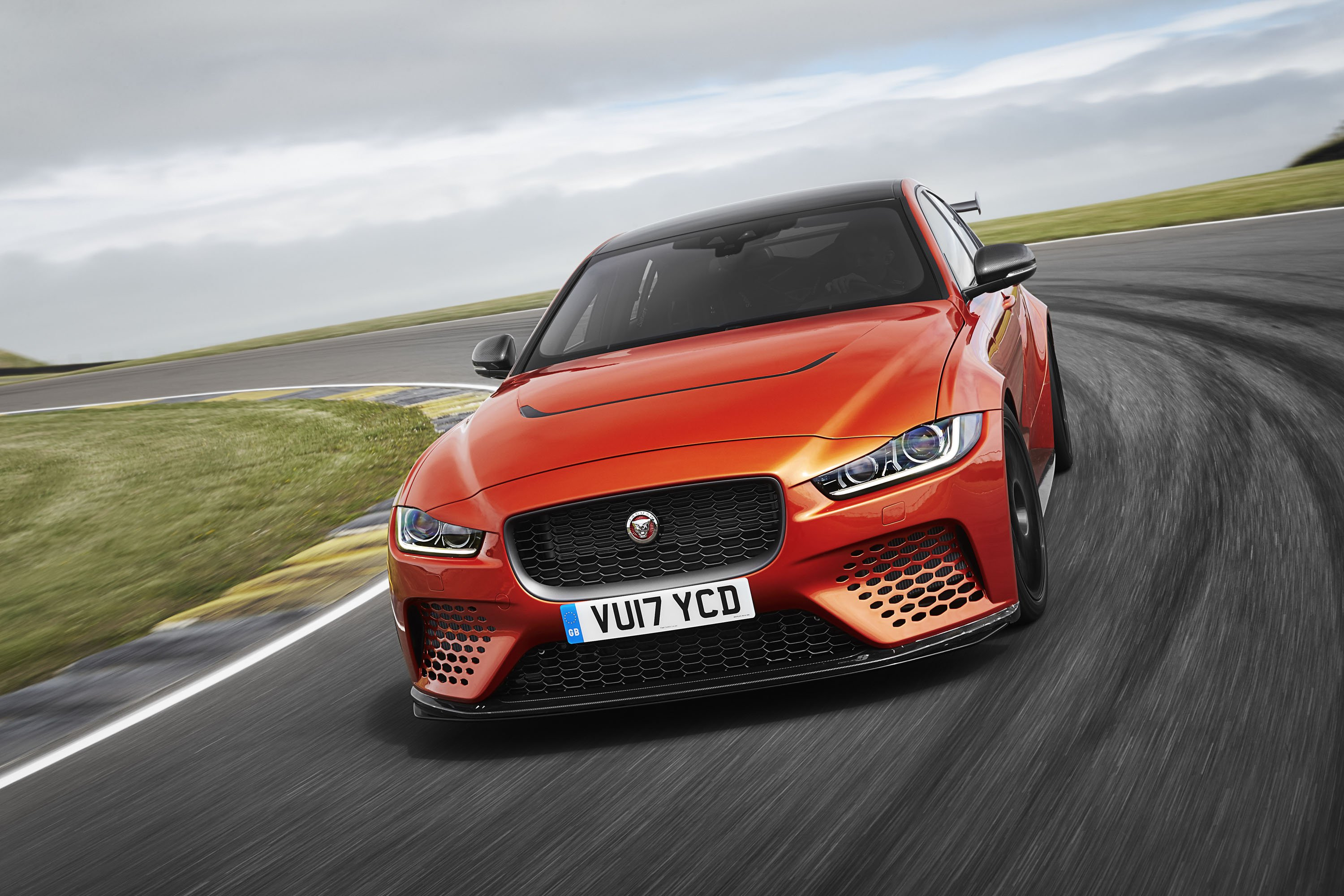 2018 Jaguar XE SV Project 8 Front Wallpapers (1)