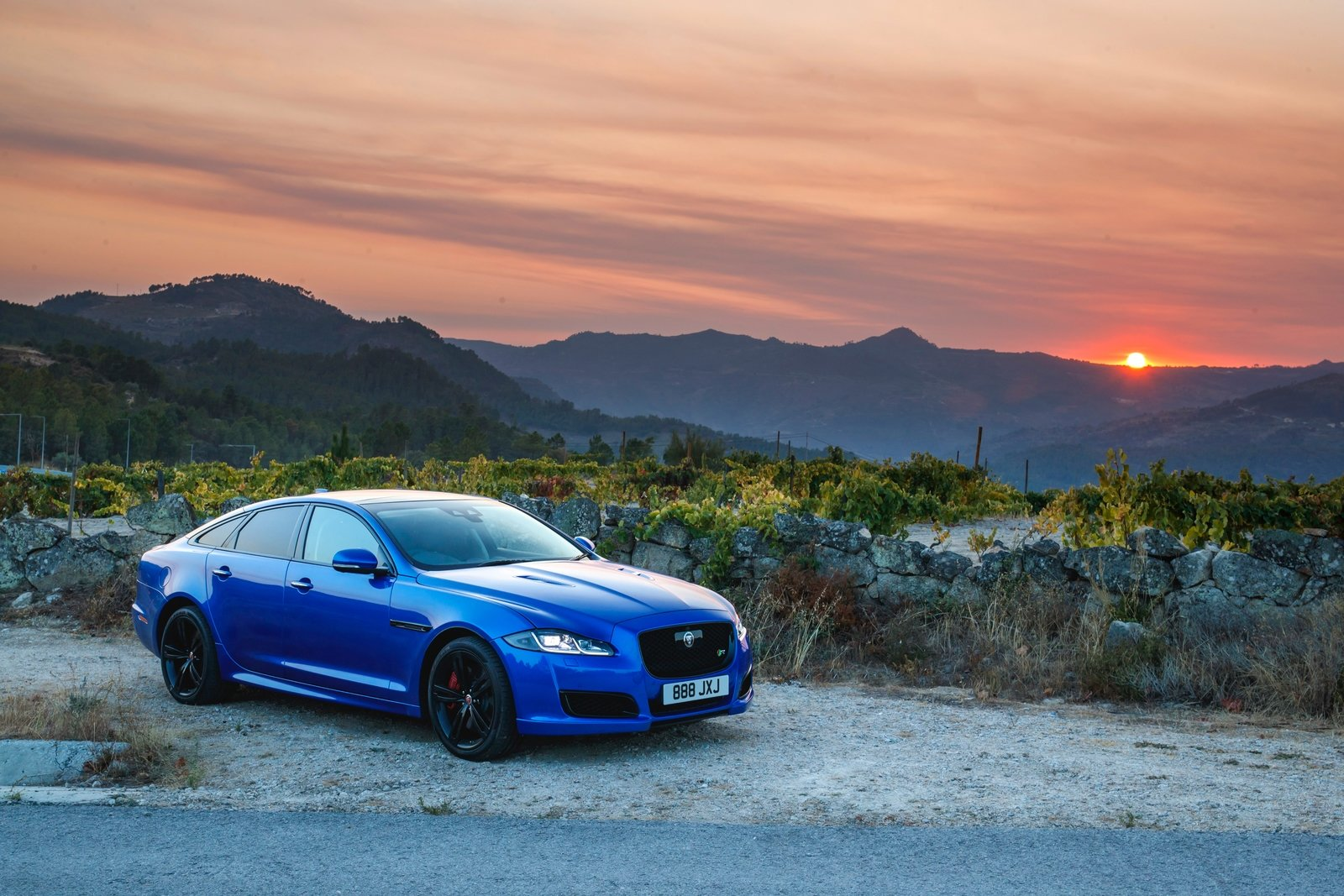2018 Jaguar XJR575 Front Three-Quarter Wallpapers (7)
