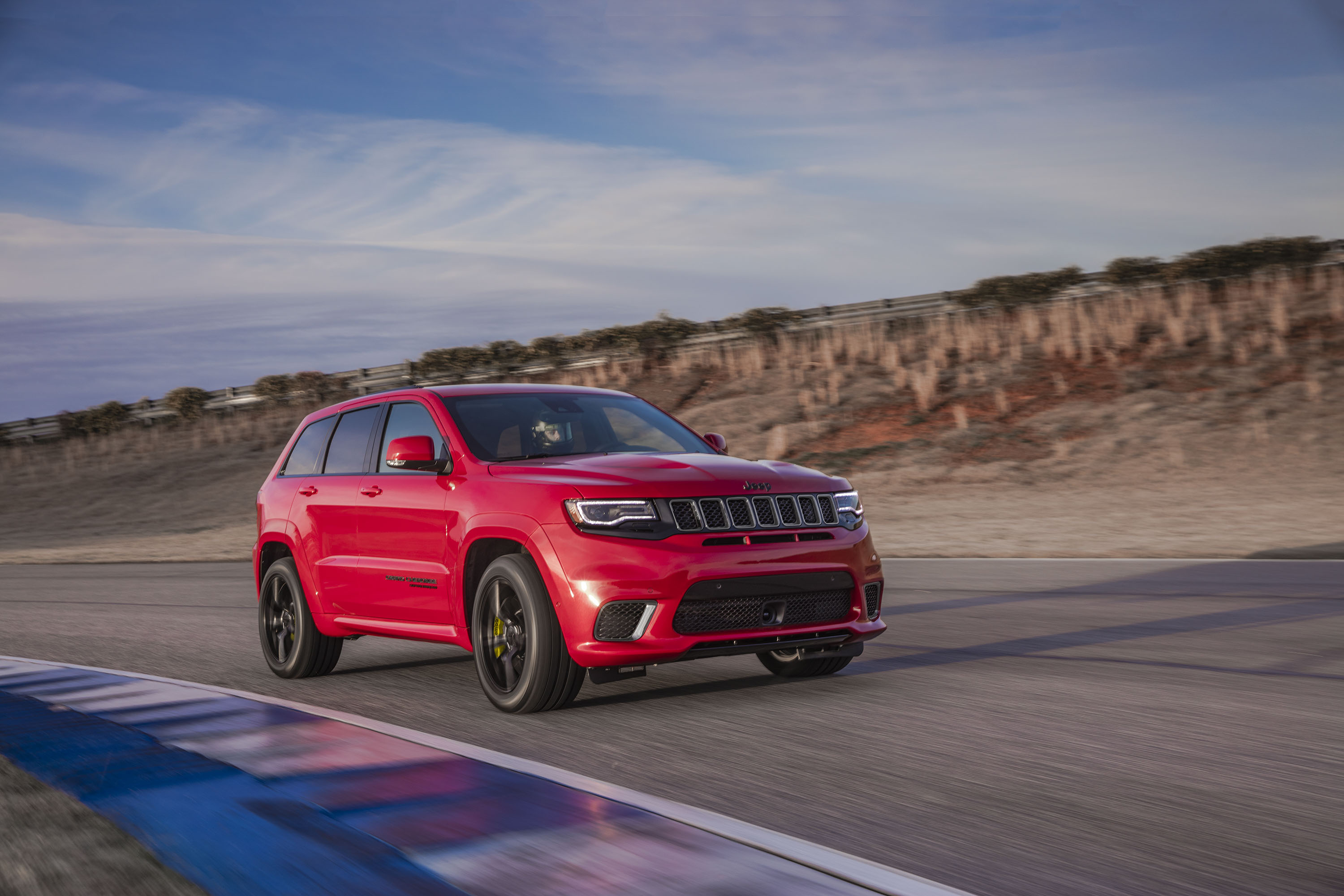 2018 Jeep Grand Cherokee Supercharged Trackhawk Front Three-Quarter Wallpapers (3)