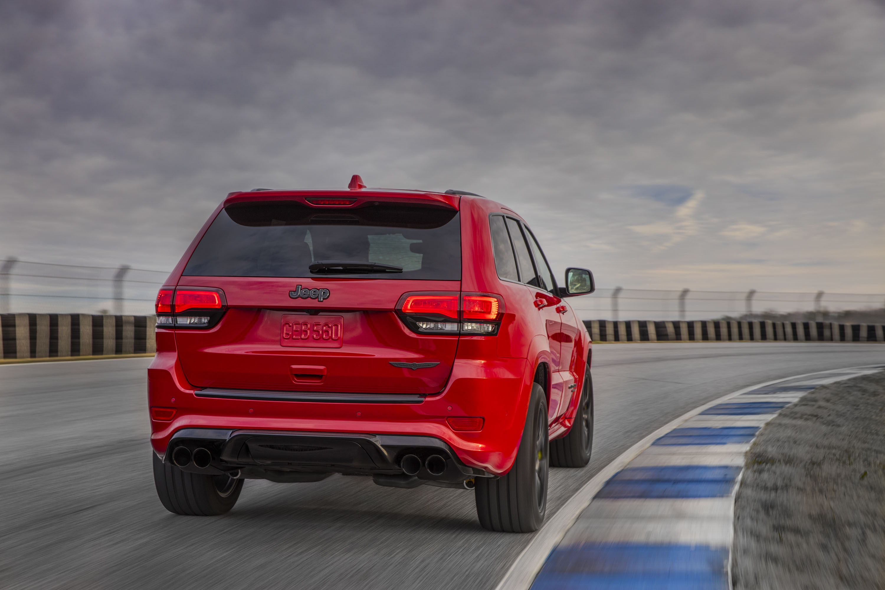 2018 Jeep Grand Cherokee Supercharged Trackhawk Rear Three-Quarter Wallpapers (5)