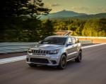 2018 Jeep Grand Cherokee Trackhawk Front Three-Quarter Wallpapers 150x120 (48)