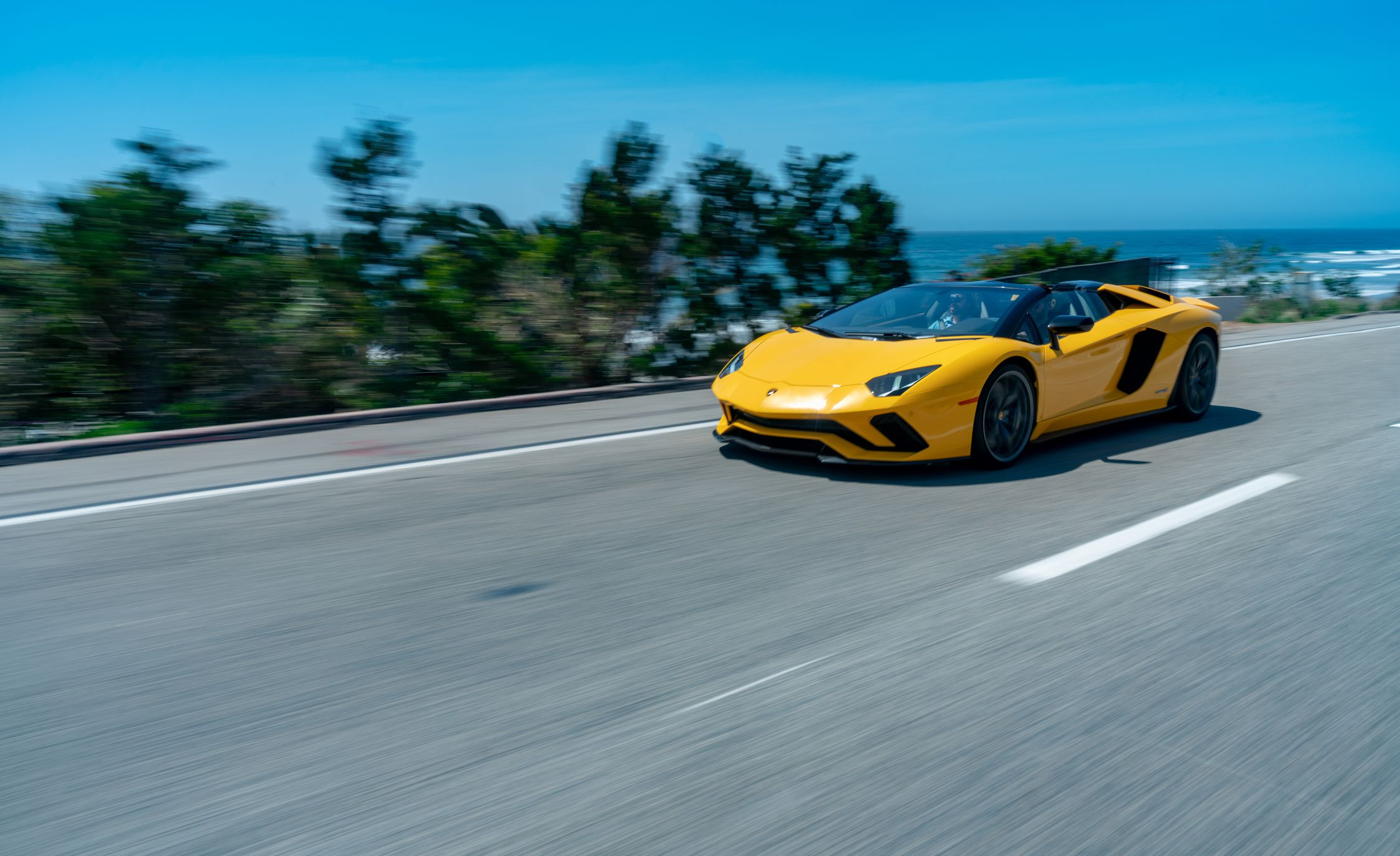 2018 Lamborghini Aventador S Roadster Front Three-Quarter Wallpapers (13)