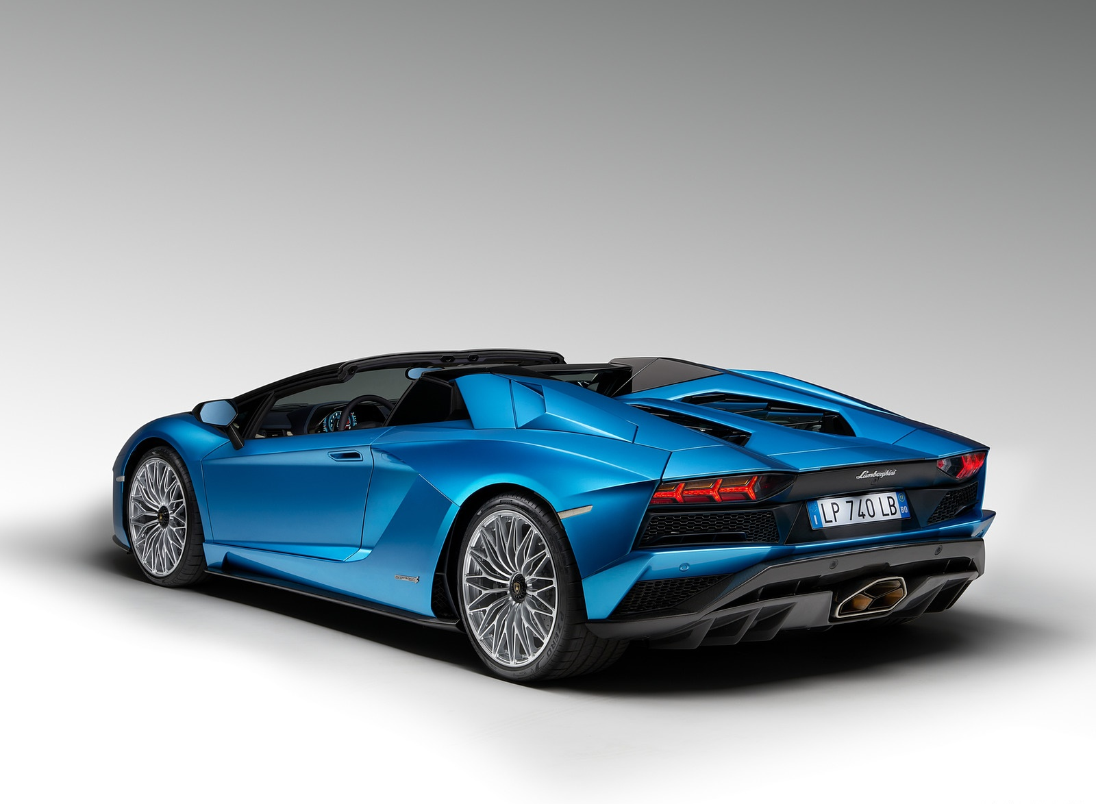 2018 Lamborghini Aventador S Roadster Rear Three Quarter Wallpaper