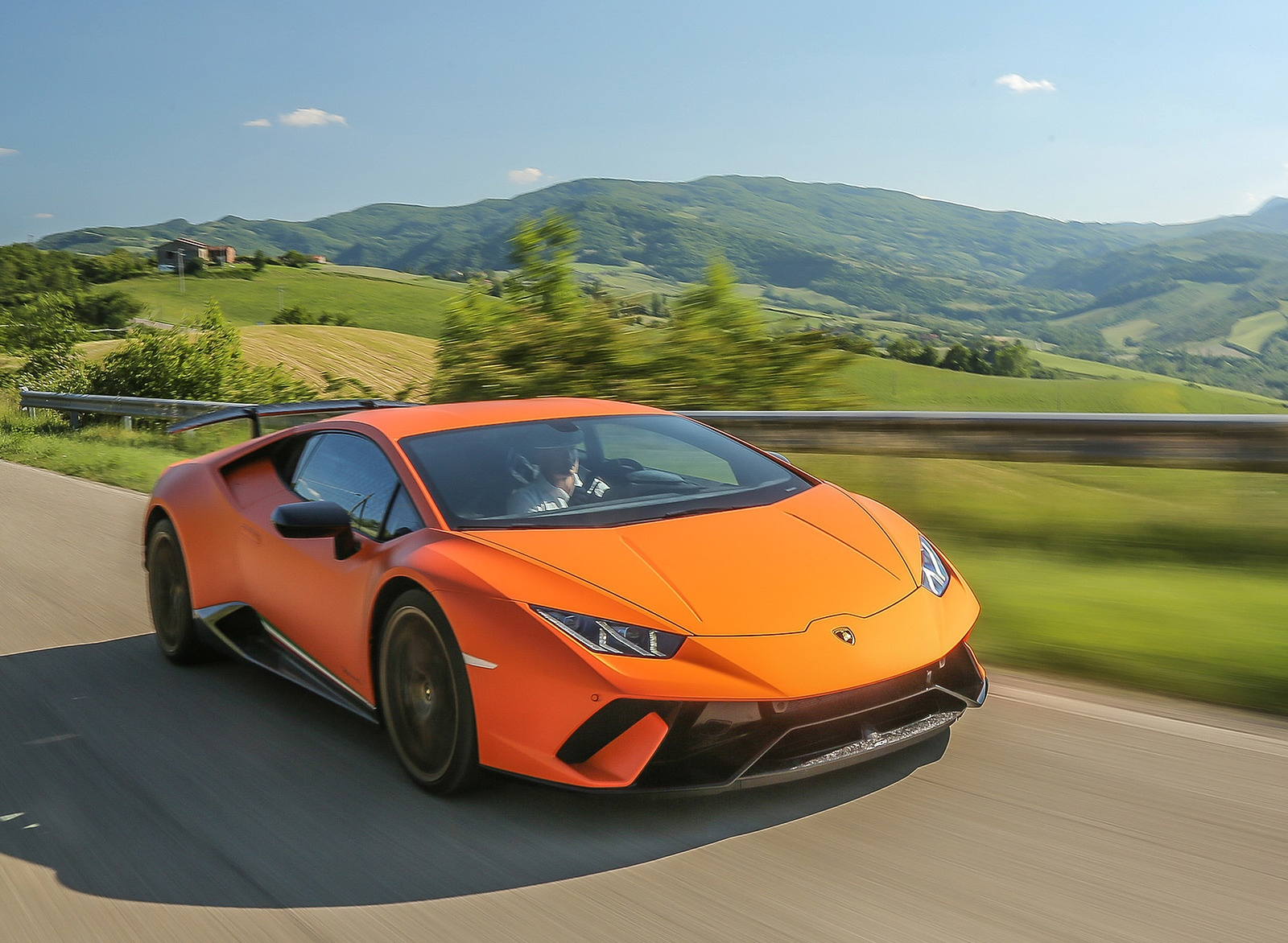 2018 Lamborghini Huracán Performante Front Three-Quarter Wallpapers (4)